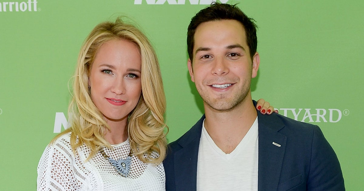 Pitch Perfect's Anna Camp, Skylar Astin Are Married