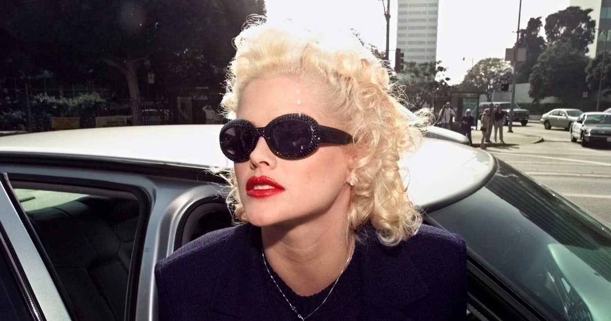Anna Nicole Smith S Decade Of Life After Death Rolling Stone