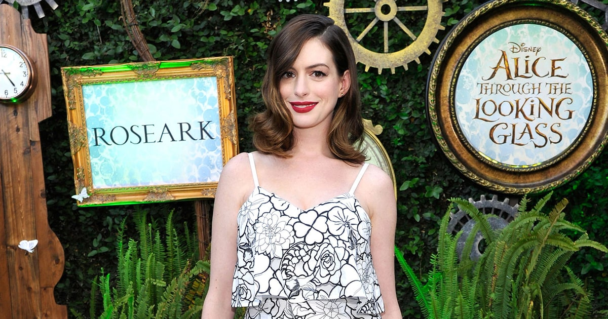 Anne Hathaway Makes Post-Baby Body Red Carpet Debut in Flirty Floral Dress - Us Weekly