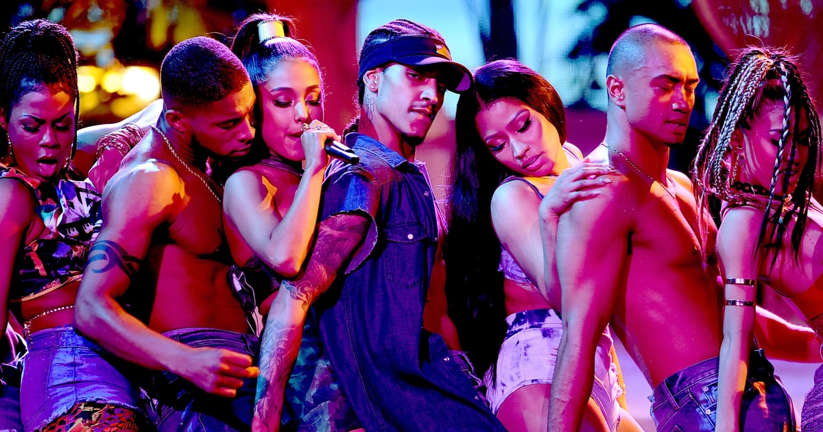 Ariana Grande Seduces Lil Wayne in Let Me Love You Video news