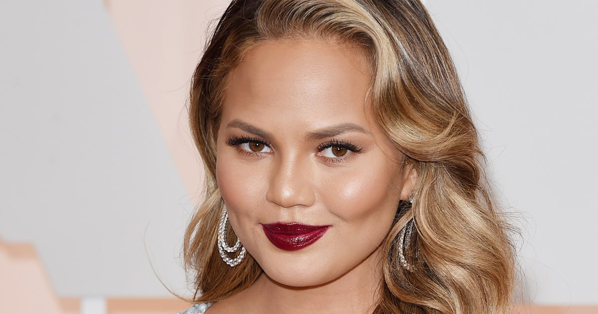 Chrissy Teigen Gets Into a Twitter War Over Her Diet, Ends It With a Very Clear Message