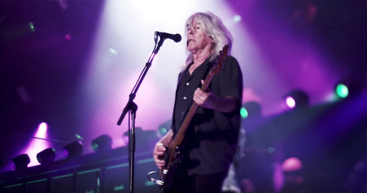 See Holly Williams Yearn for the Stable Life in 'Settle Down' news