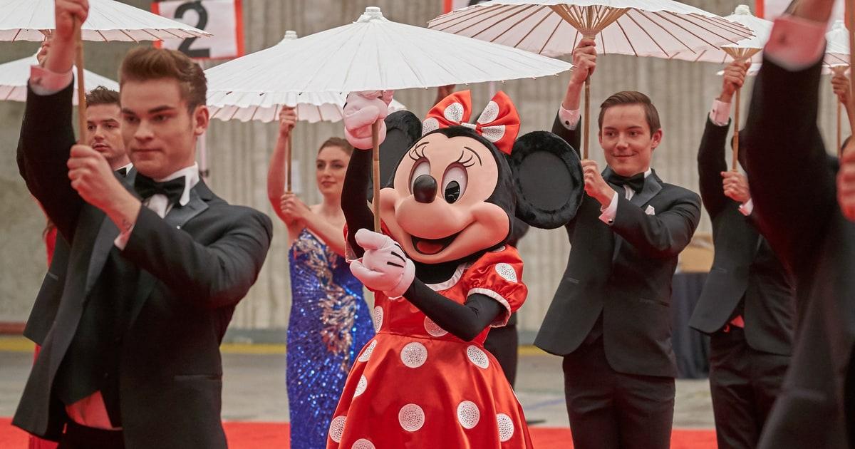 Celebrate National Polka Dot Day With Hollywood Icon
