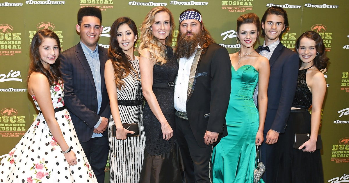 Duck Dynasty's Willie Robertson Walks Daughter Down the ...
