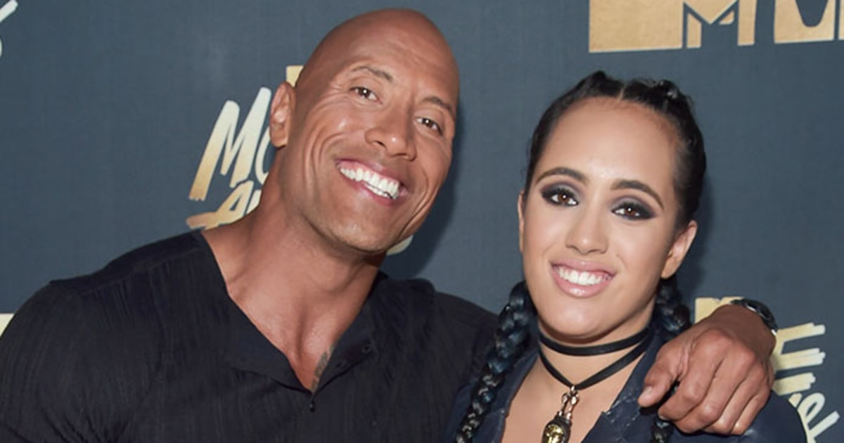 Mtv Movie Awards 2016 Dwayne The Rock Johnson Brings Daughter As Date W202147 together with Tom Hardy To Star As Venom For Sony Ruben Flesicher Set To Direct additionally Ali Lohan Calls Out Jennifer Lawrence For Dissing Sister Lindsay Lohan W159727 also Ariel Winter Boyfriend in addition Ivana Trump Gives Rare Interview About Donald Trump Talks Affair W201202. on sag awards 2015 date