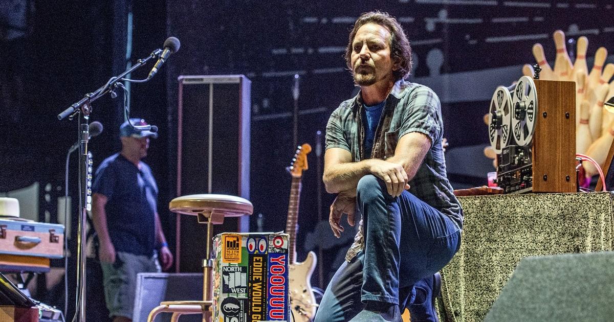 Eddie Vedder, Roger Waters, Pharrell Take Knee Onstage in Protest