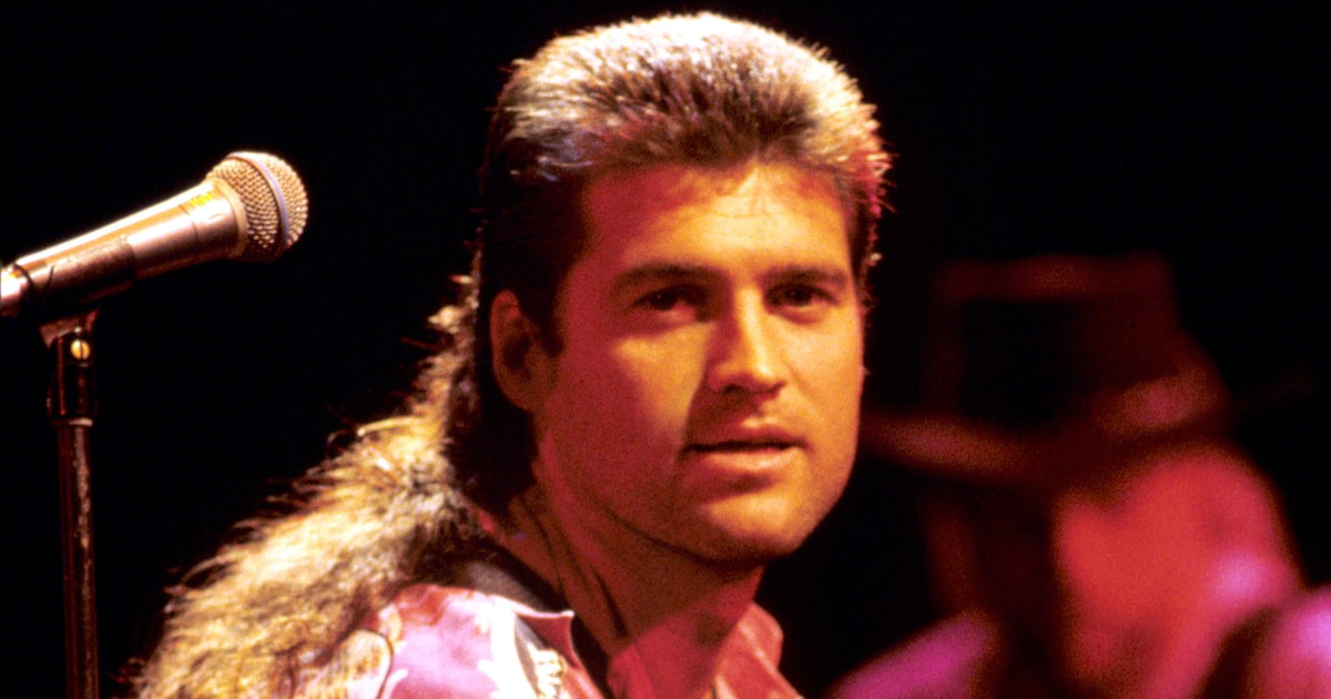 'Achy Breaky Heart' at 25: Inside Billy Ray Cyrus' Hit ...