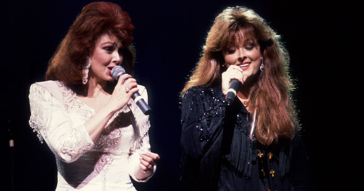 Flashback See The Judds Emotional Grammy Awards Farewell