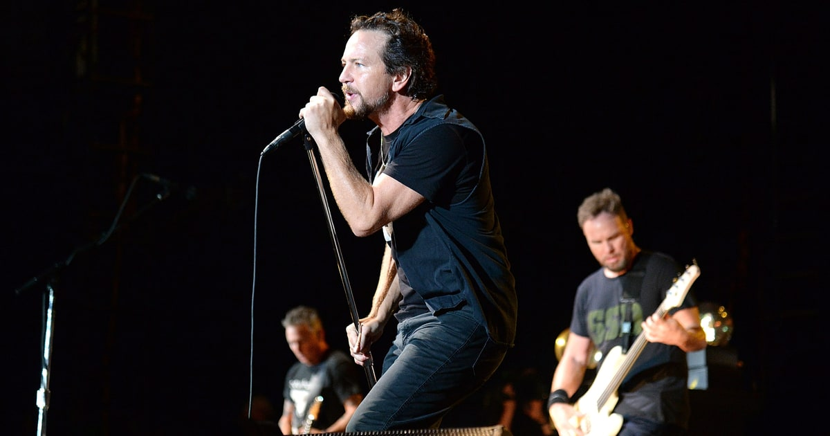 Pearl Jam to Air Surpr...