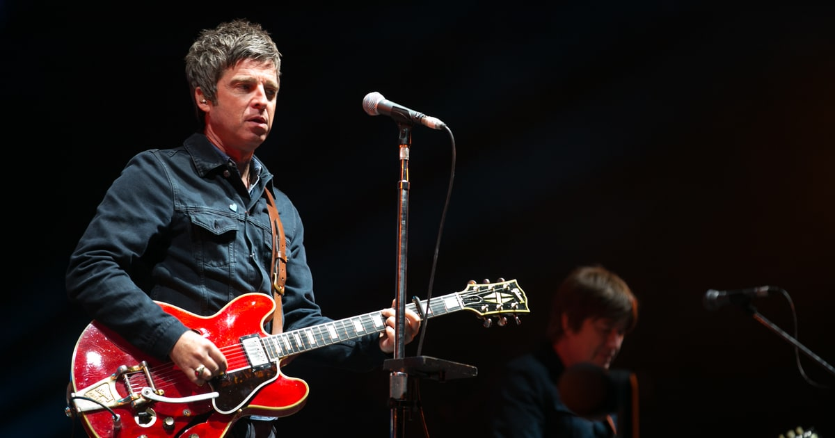 Watch Ryan Adams Cover Oasis' 'Morning Glory,' 'Supersonic' news