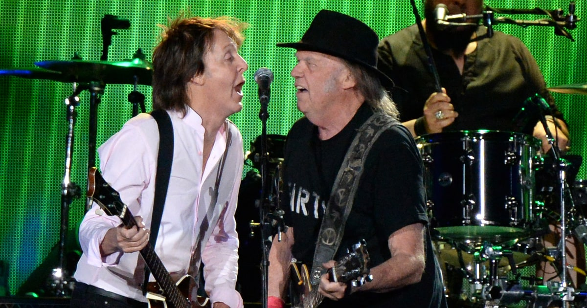 Flashback: Neil Young and Paul McCartney Play 'A Day in the Life' news