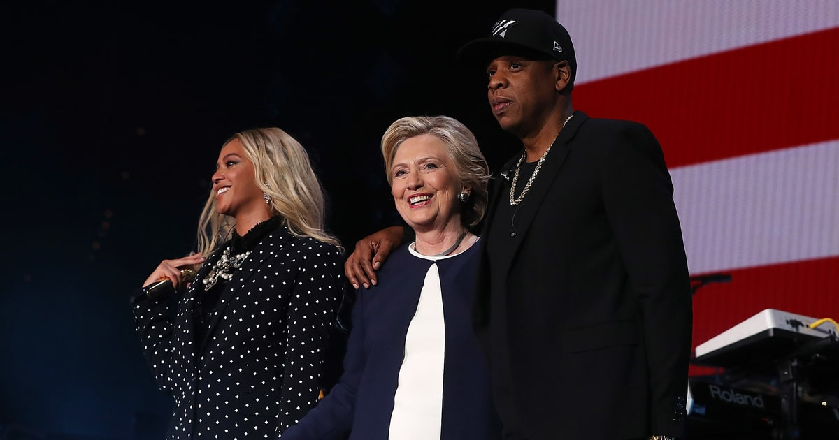 Hillary Clinton Loves 'LEMONADE,' Teases Beyoncé as Potential VP news