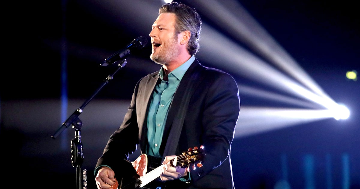 See Blake Shelton 39 S 39 Every Time I Hear That Song 39 Video