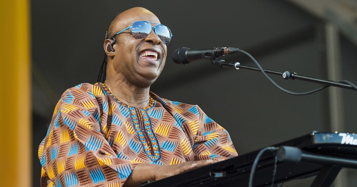 Watch Stevie Wonder's Righteous Rendition of 'Lean on Me' for Hurricane Relief