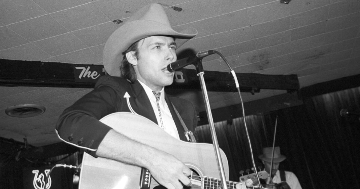 flashback dwight yoakam releases 39 guitars cadillacs etc 39 rollin. Cars Review. Best American Auto & Cars Review