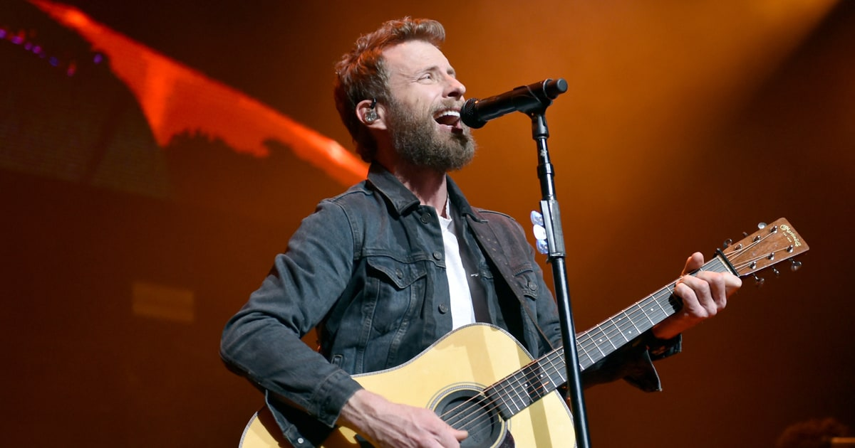 Watch Dierks Bentley Perform Driving New Song Burning Man