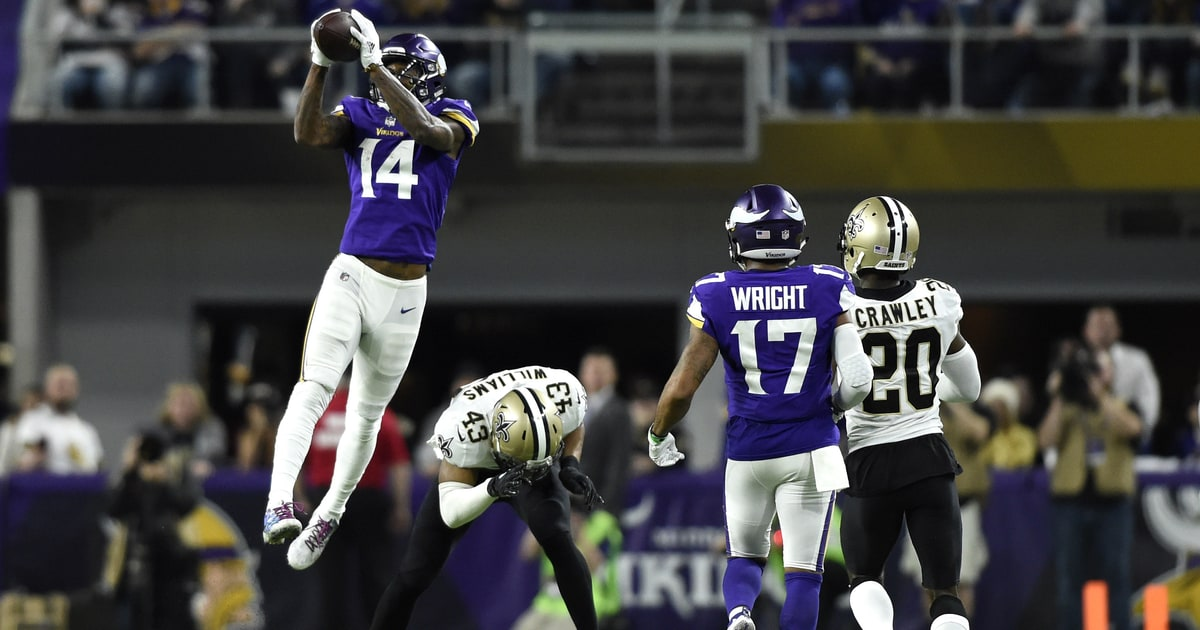 Watch Vikings' Miracle Touchdown With the 'Titanic ...