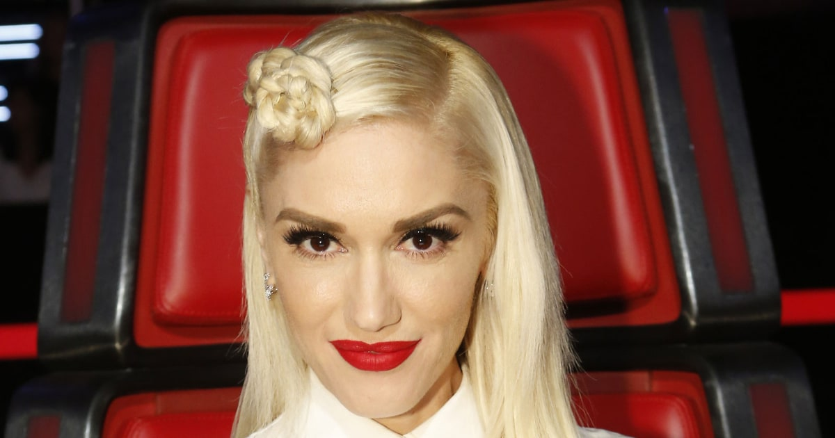 Gwen Stefani Says Quot I Love You Blake Quot Adam Levine Is