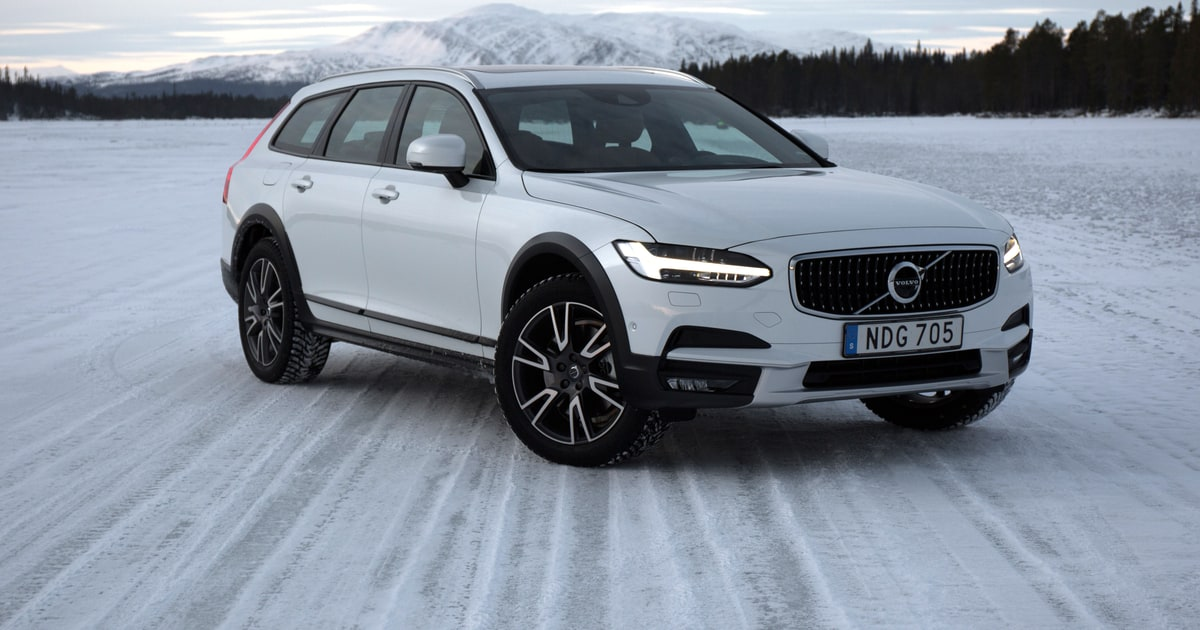 first drive the 2017 volvo v90 cross country is a stylish all terrain wagon men 39 s journal. Black Bedroom Furniture Sets. Home Design Ideas