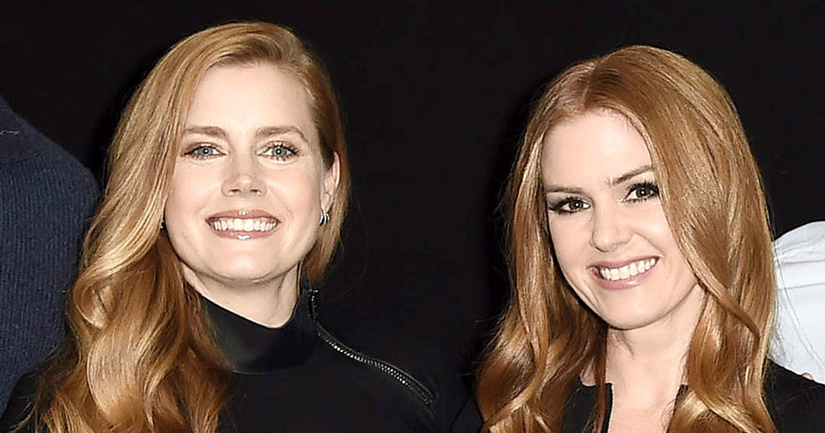 Isla Fisher Swapped Her Face With Amy Adams' on Holiday ...