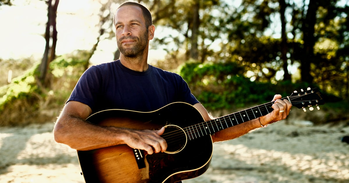 Jack Johnson Busts Walls in Anti-Trump 'My Mind Is for Sale ...