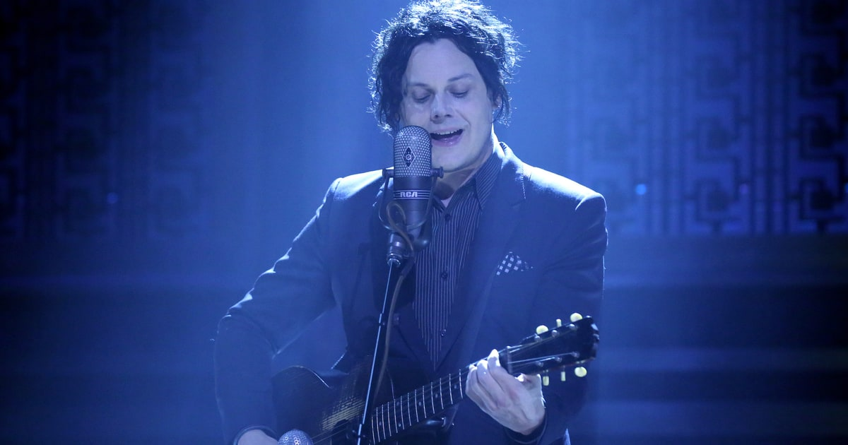 Hear Jack White S Surprise New Song Battle Cry Rolling