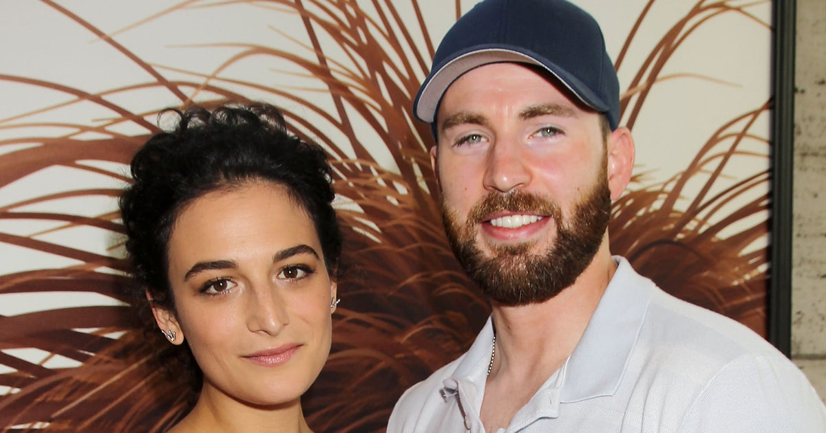 Chris Evans, Jenny Slate Take Relationship Public, Make Red Carpet Debut