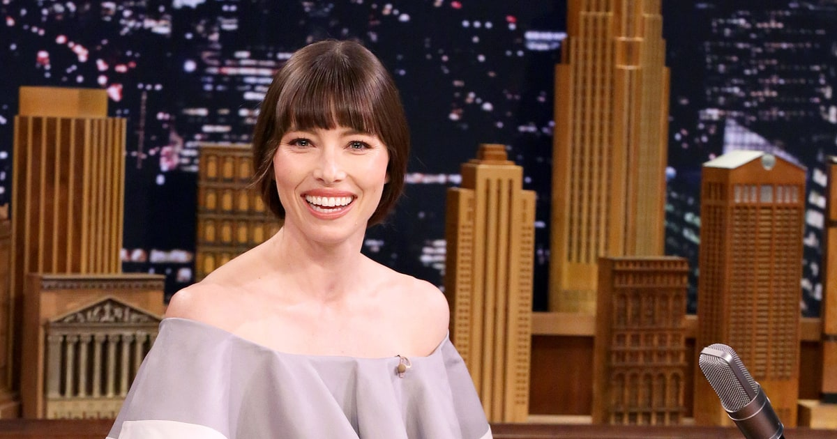 Jessica Biel Has To Eat In The Shower Because Mom Life