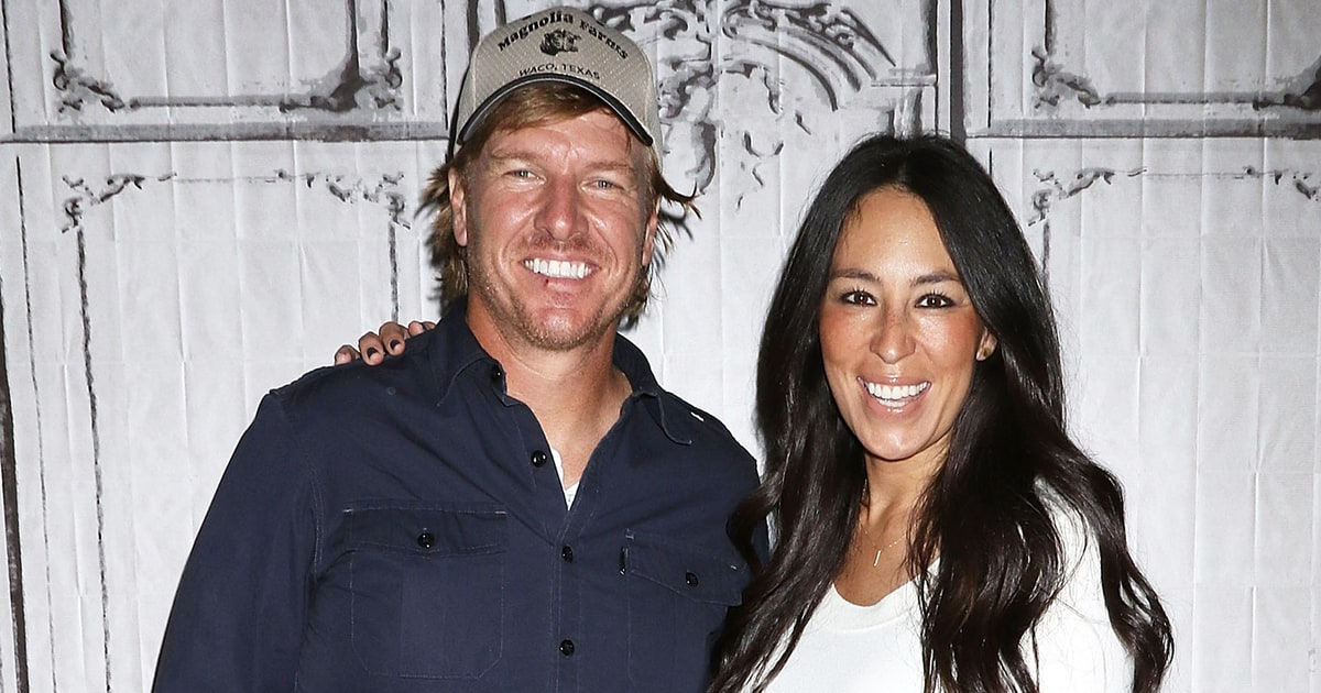 Joanna gaines shares story of her engagement ring in new for Chip and joanna gaines getting divorced