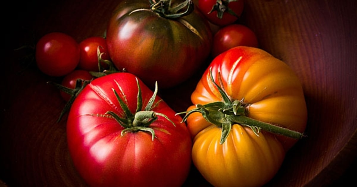 35 Ways to Eat a Tomato