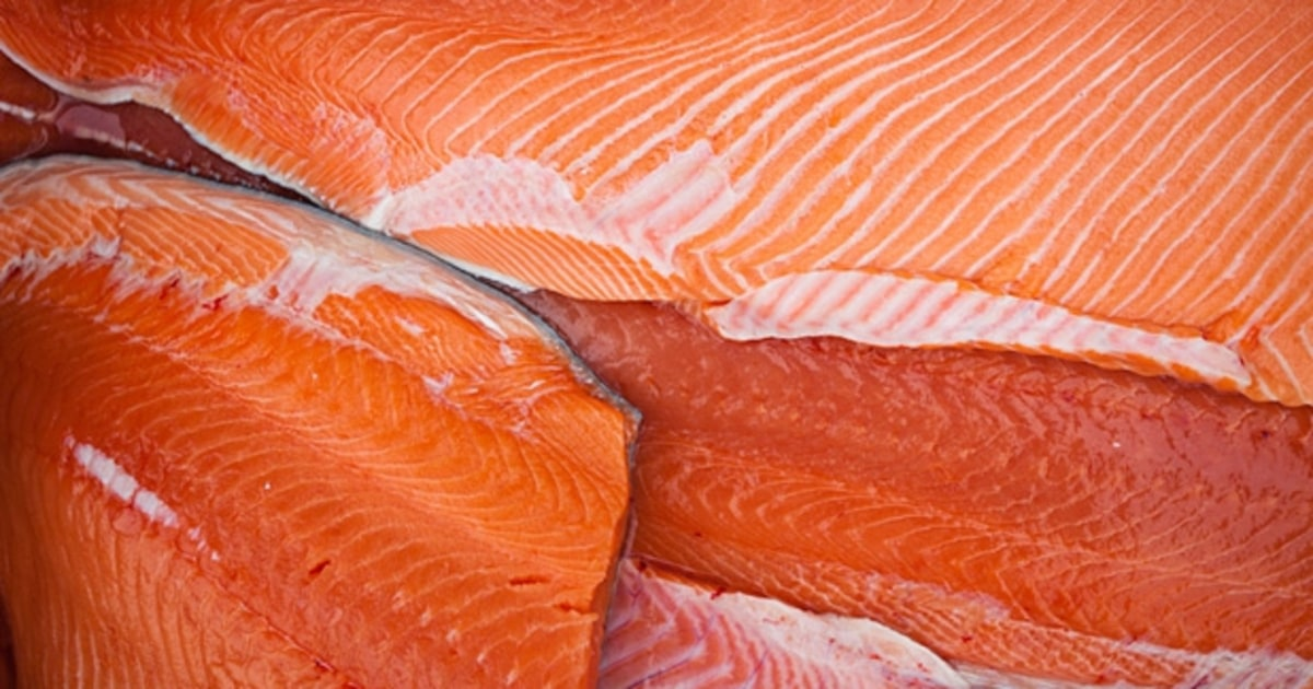 Wild alaskan salmon the five safest fish to eat men 39 s for What do wild fish eat