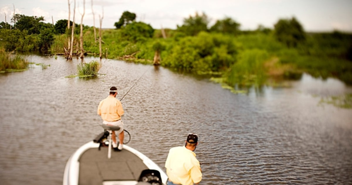 Lake okeechobee florida the 10 best lakes in america for Best fishing in the us