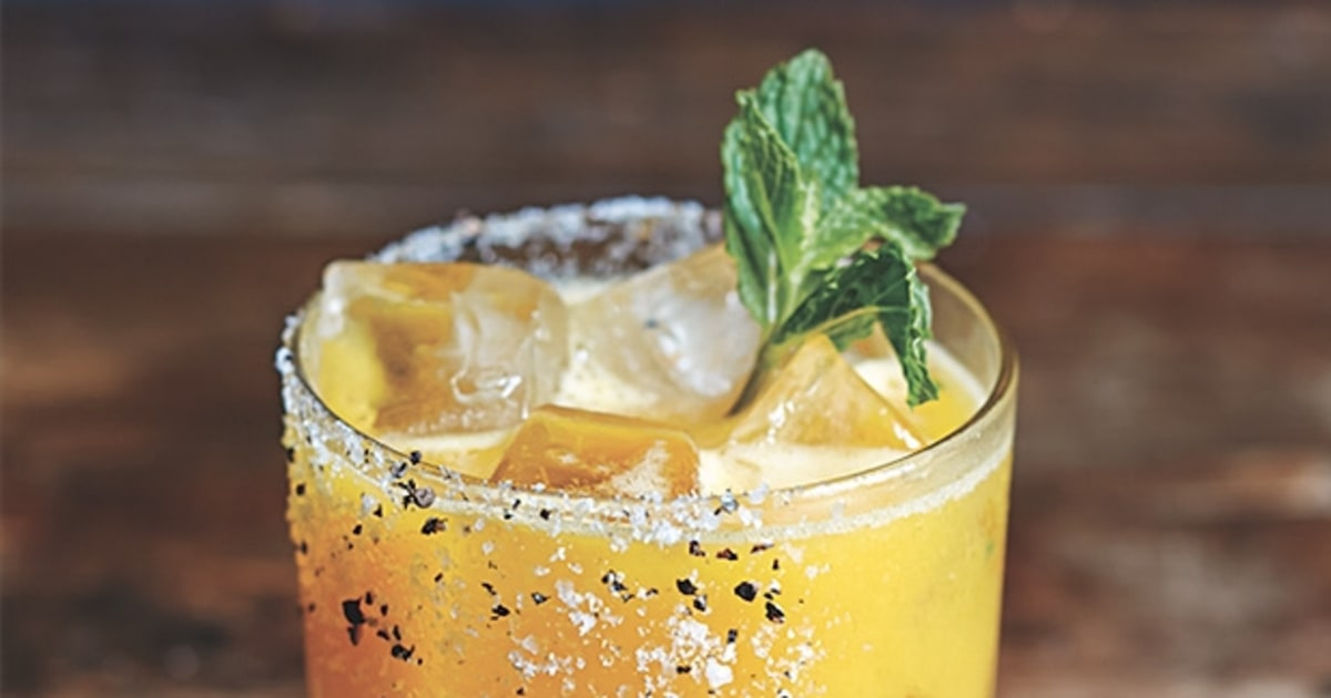 How to make the perfect spicy tequila drink men 39 s journal for Good tequila mixed drinks