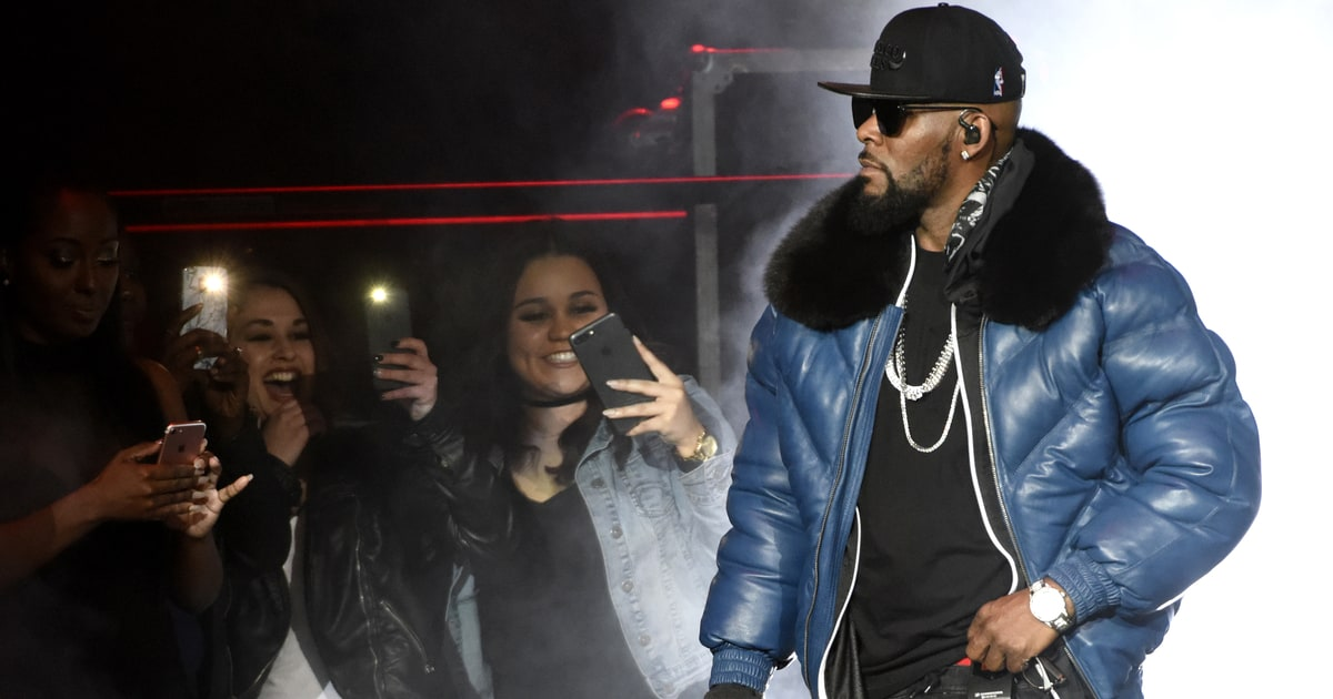 Report: R. Kelly Leads 'Cult,' Brainwashes Young Women ...