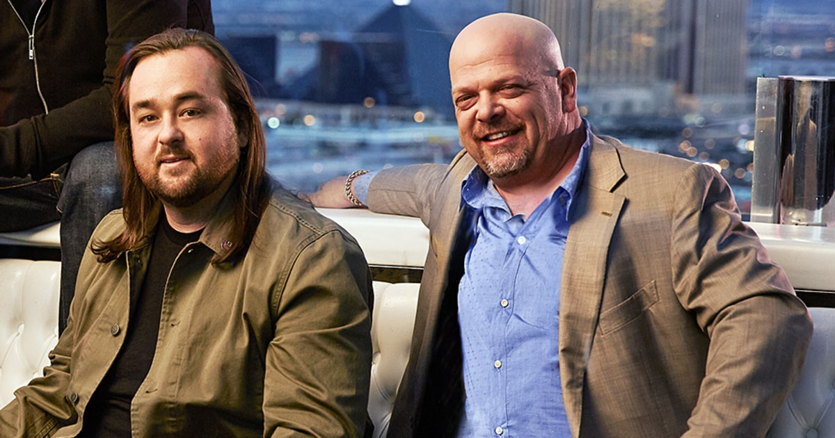 corey pawn stars dating Chumlee's best friend and 'pawn stars' co-star corey harrison has come to his defense, telling fans 'don't believe everything you hear' regarding his drug and weapons arrest and sexual assault investigation.