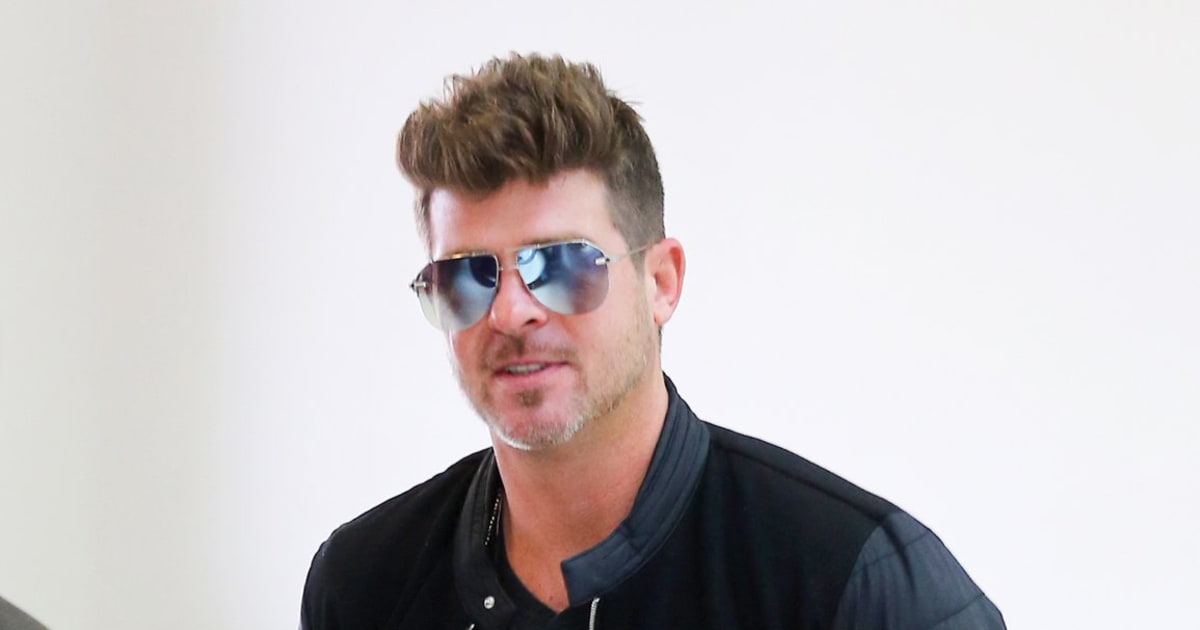 Robin thicke Nude Photos 72