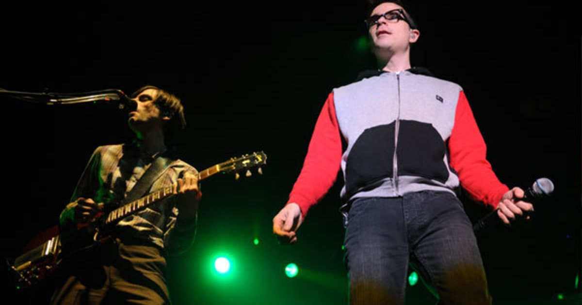a great night at the concert with weezer 2018 concert schedule year in it was a great line-up that flowed well and all with a few non-american bands on the bill friday night, weezer is.