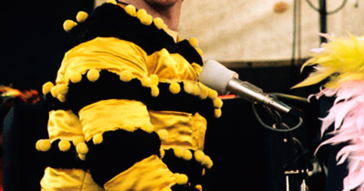 1974 Photos Elton John S Outfits Through The Years