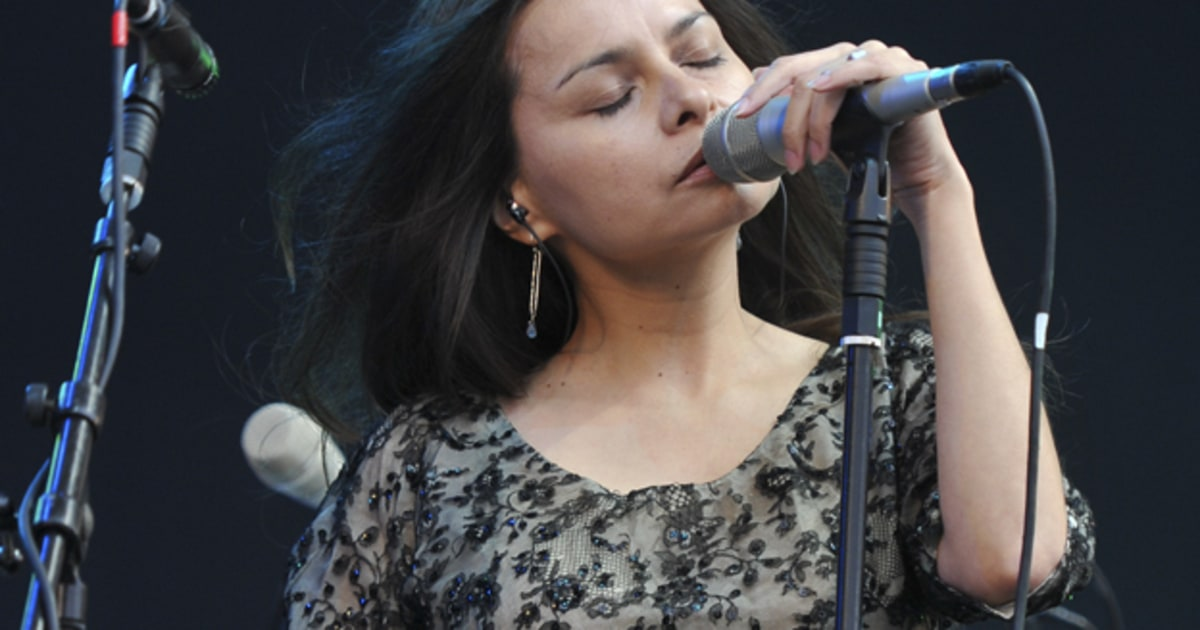 Mazzy Star Announce First Album In 17 Years Release
