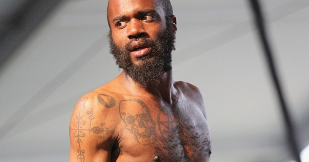 fans trash death grips equipment after lollapalooza no
