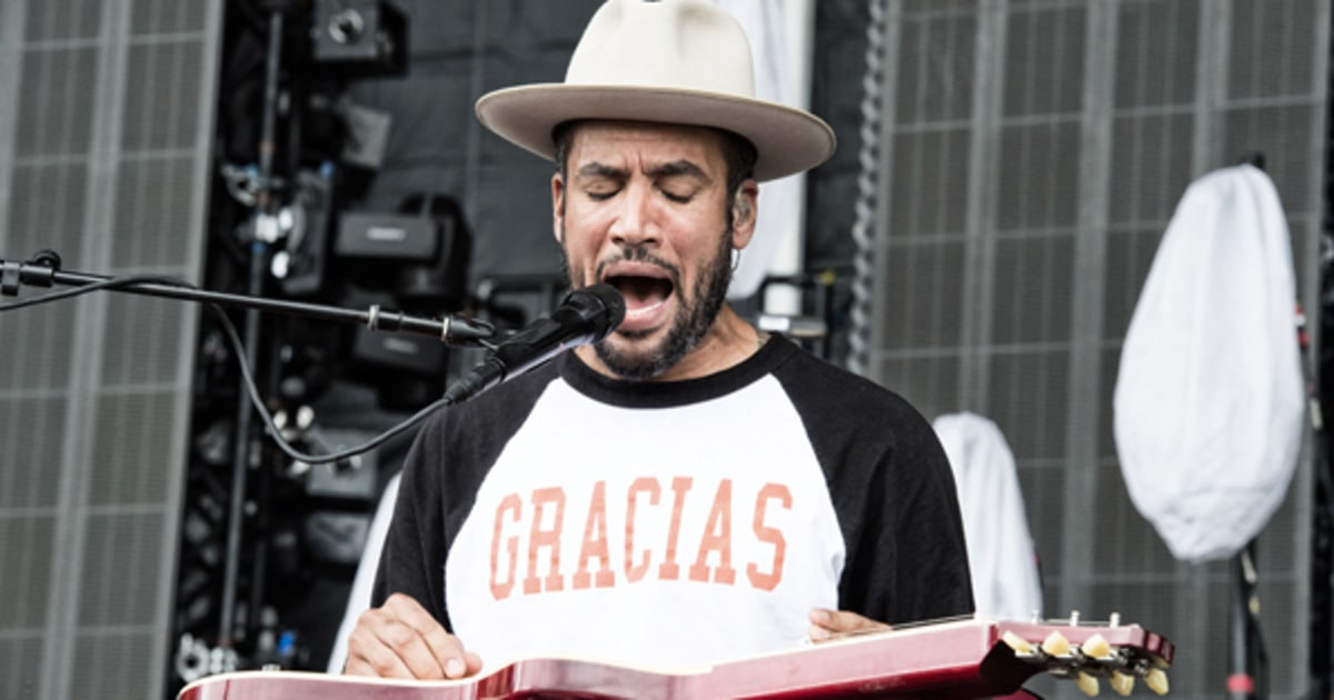 the issue of oppression in a song by ben harper Ben harper's wiki: benjamin chase harper (born october 28, 1969) is an american singer-songwriter and multi-instrumentalist[2] harper plays an eclectic mix of blues, folk, soul, reggae and rock music[3] and is known for his guitar-playing skills, vocals, live performances.