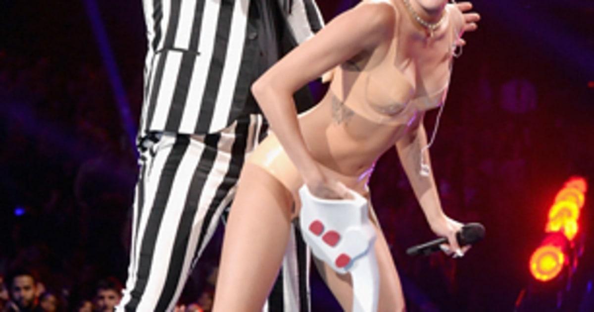 Эротическое видео майли сообщение