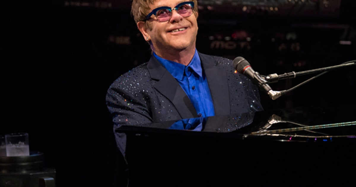 elton john plays usc with 39 diving board 39 preview rolling stone. Black Bedroom Furniture Sets. Home Design Ideas