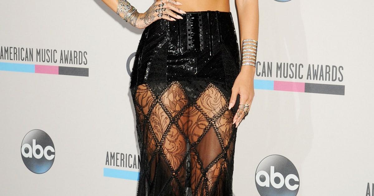 rihanna 2013 american music awards the red carpet