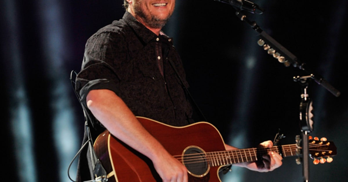 Blake Shelton S Boys Round Here Video May 2013 A