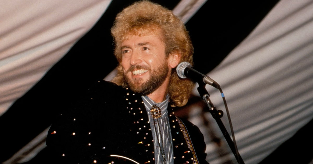 See Keith Whitley Sing No Stranger To The Rain Rolling Stone