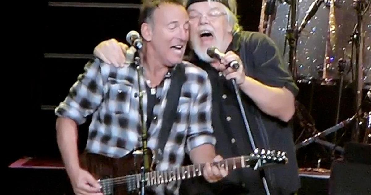 Bruce Springsteen And Bob Seger Perform Old Time Rock