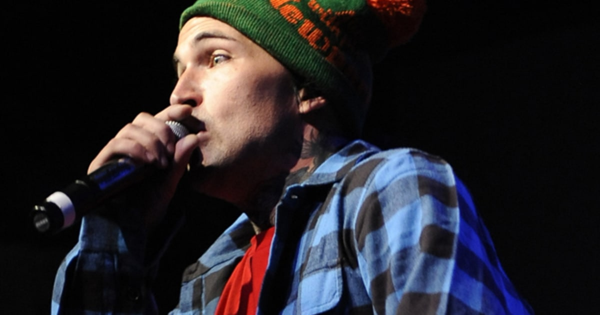 Yelawolf featuring kid rock 39 let 39 s roll 39 on 39 letterman for Kid rock 3rd annual fish fry