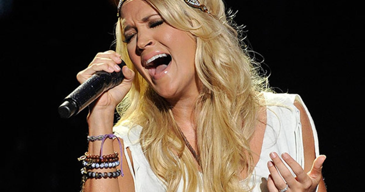 Flashback Carrie Underwood Channels Axl Rose At Cma Music