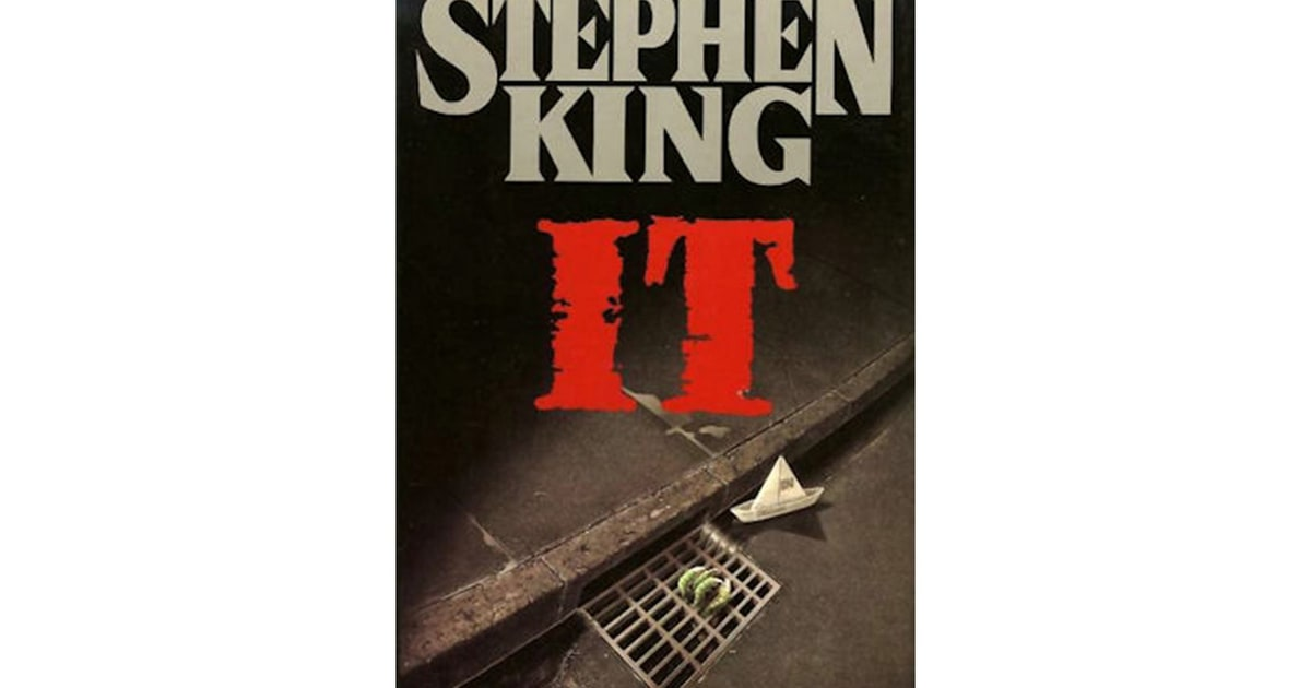 an introduction to the life of master of horror stephen king The undisputed master of modern horror, stephen king remains as vital and prolific today as he was when his first classics — including carrie, salem's lot, the shining, and the stand — were.